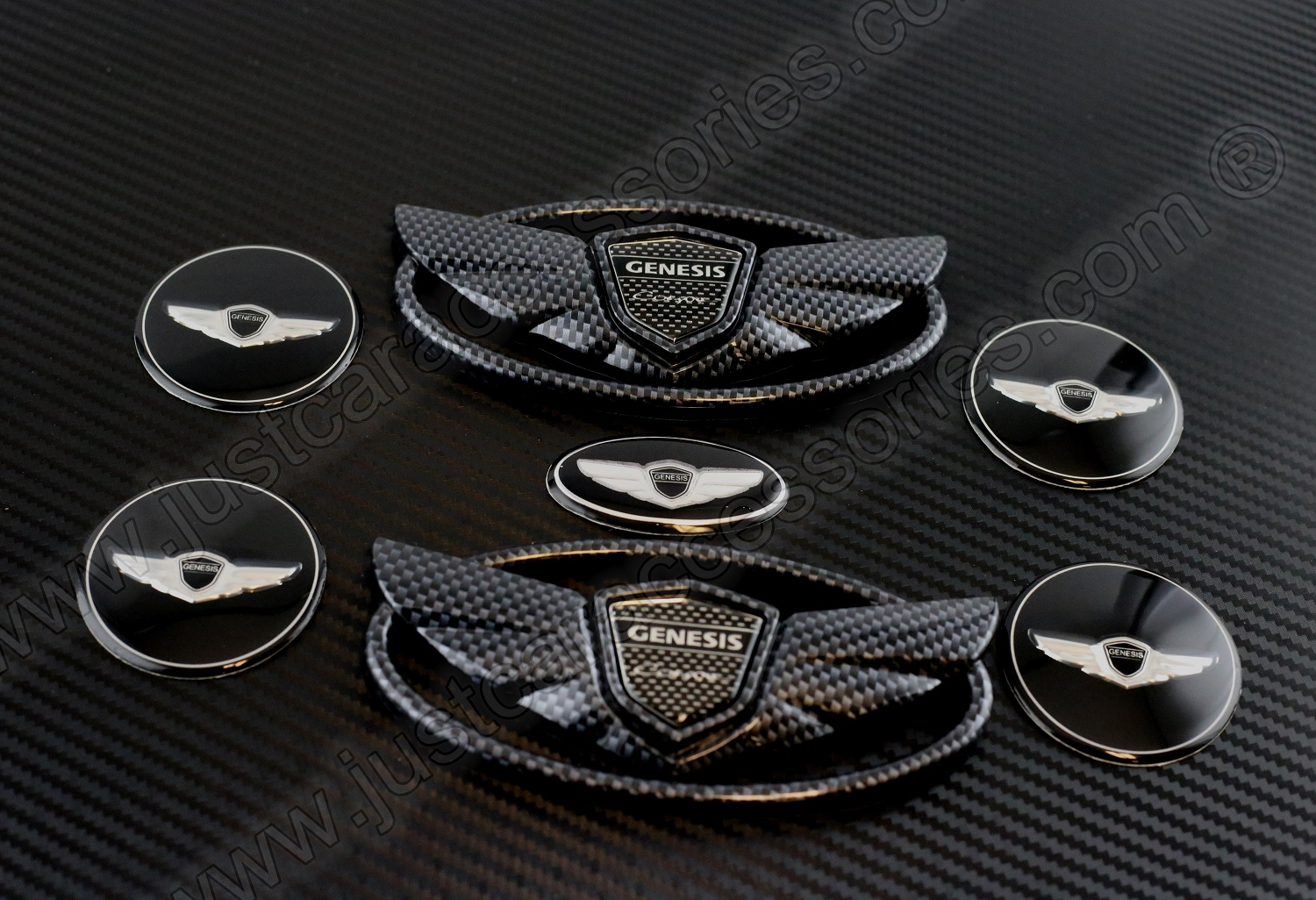 Hyundai Genesis Coupe Carbon Wing Logo Emblem With Center Cap